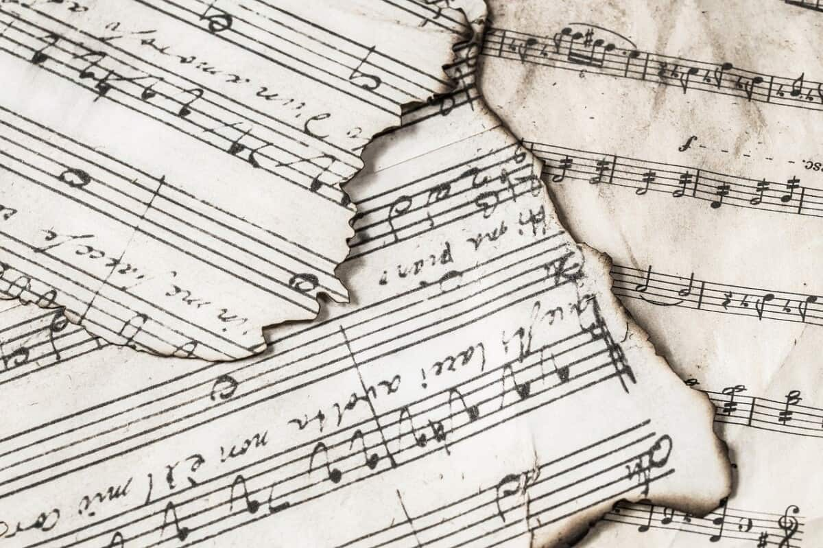Polyphony vs. Homophony: Understanding Music Texture